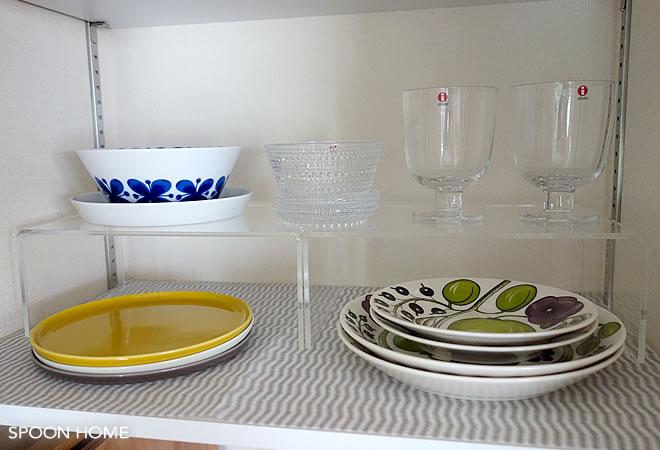 無印良品のアクリル仕切棚を使用したキッチン収納のブログ画像