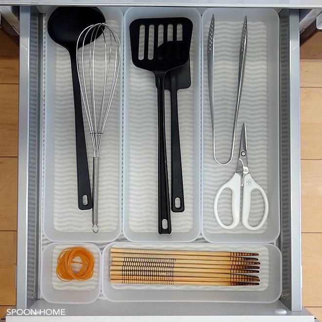 無印良品のポリプロピレン整理ボックスを使用したキッチン収納のブログ画像