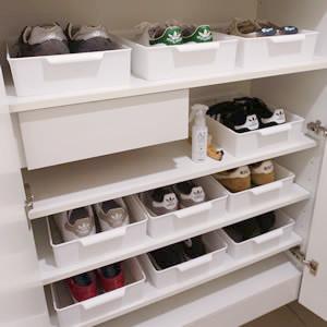 靴(スニーカー)の収納アイデア。下駄箱の整理におすすめの100均収納グッズをご紹介
